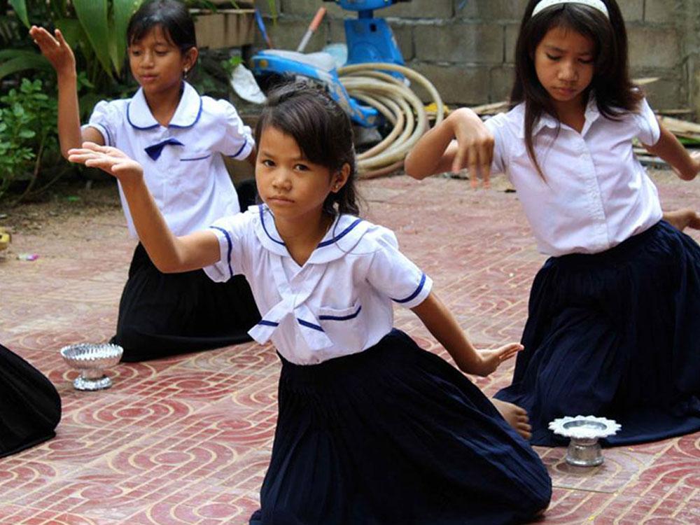 cambodia-schools-04.jpg