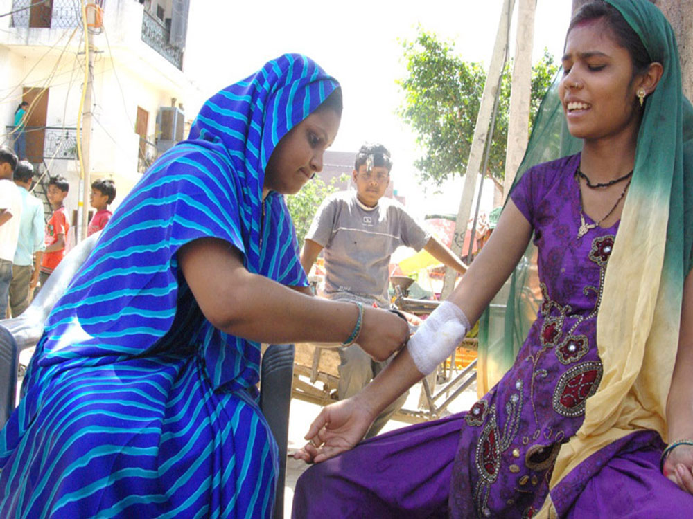 india-schools-health-care-01.jpg