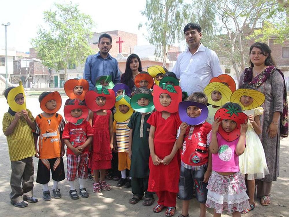 pakistan-schools-03.jpg
