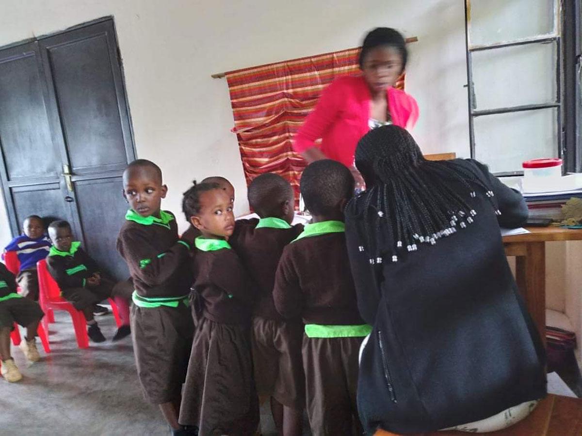 rwanda-school-pic-032021-05.jpg